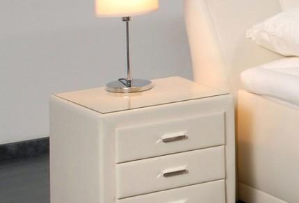 Вариант лампы для тумбочки возле кровати